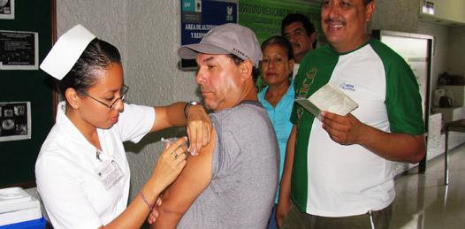 Cumplió IMSS la meta de vacunación contra la Influenza AH1N1