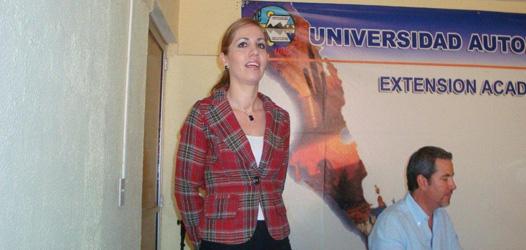 Reciben universitarios de CSL al Secretario de Turismo