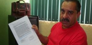 Héctor Aragón, dijo que cuenta con firmas de vecinos que le han pedido que analicen el problema de la calle Barlovento en El Rosarito.