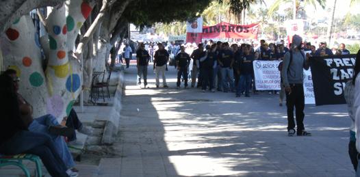 Desairan obreros el desfile del primero de Mayo