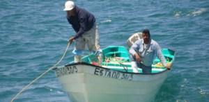 Arturo Gómez Mendoza y Humberto Burgoin Mayoral, minutos antes de ser rescatados por la Armada de México.