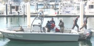 Cuatro buzos que viajaban en dos barcos atuneros fueron auxiliados por personal de la Marina, luego de que sufrieran una descompresión (Lupita Gómez)