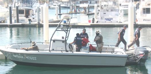 Auxilia sector naval a cuatro buzos que sufrieron descompresión