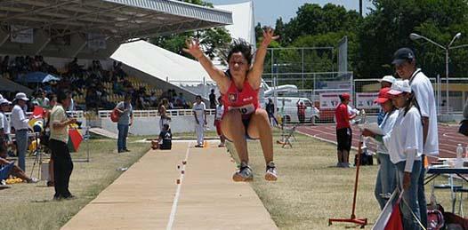 Oro y récord nacional para Claudia Salgado