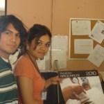 Jóvenes Universitarios que realizan su servicio social en el IFE, distribuyeron calendario de Efemérides Nacionales 2010 en las instituciones educativas y dependencias de gobierno.