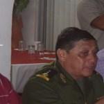 El presidente de la Coparmex, Guillermo Beltrán Rochín, y el comandante de la Tercera Zona Milital, general Jorge Calvillo Ordóñez, en reunión con empresarios.