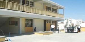 Padres de familia de la escuela Primaria General 361 de la colonia Paraíso, señalaron que tomarán la escuela ya que no cuentan con los servicios básicos como el agua y las autoridades no les hacen caso (Lupita Gómez)