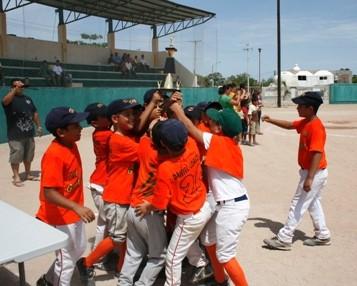 Arranca el VI Torneo Interclubes de béisbol