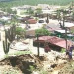 Colonos de Cabo Fierro comentaron que tienen 3 o 4 años que les vendieron los terrenos y hasta el momento no les han puesto los servicios básicos por lo que piden a las autoridades los escuchen (Lupita Gómez)