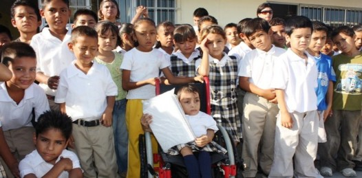 Pese a la crisis económica, entregará el gobierno útiles escolares
