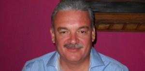 Marcos Alberto Covarrubias Villaseñor, precandidato ala gubernatura del PRD, denunciará ante la FEPADE al gobernador y diversos secretarios por el desaseo oficial a favor del perredista Luis Armando Díaz.