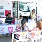 En un ambiente de fiesta los transeúntes que llegaban al lugar tuvieron la oportunidad de informarse y cooperar con esta causa que beneficiará a un gran número de mujeres sudcalifornianas.