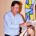 En el marco de los festejos por el 313º aniversario de la fundación de Loreto, el gobernador Narciso Agúndez coronó a Pamela I como reina de las fiestas tradicionales del lugar.
