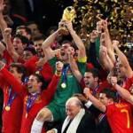 La Furia Roja escribió su nombre en la historia del fútbol con letras de oro. España venció a todos sus fantasmas y viajó hasta Sudáfrica para llevarse el primer Mundial africano de la FIFA ante uno de los equipos más poderosos de la Copa del Mundo, Holanda.