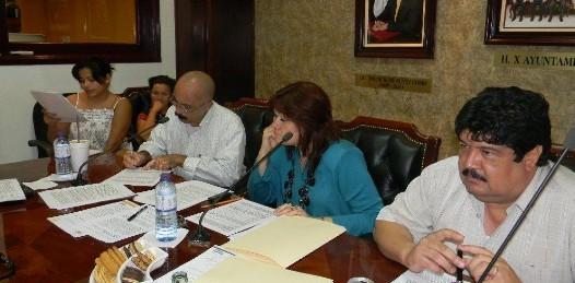 Preparan serie de reglamentos internos para dependencias municipales