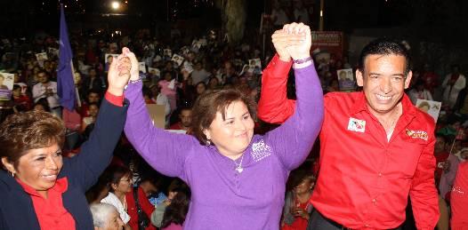 Empleo para 3 mil mujeres maquilando uniformes escolares  gratuitos ofrece Moreira