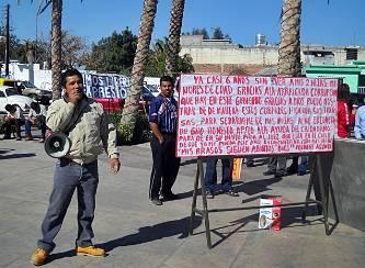 Inicia huelga de hambre por que la autoridad le impide ver sus hijas