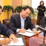 El gobernador Narciso Agúndez y el subsecretario de gobernación Juan Marcos Gutiérrez, formaron el protocolo a través del cual ambos niveles de Gobierno coadyuvarán con la autoridad electoral local para garantizar la seguridad y tranquilidad en los comicios de febrero próximo.