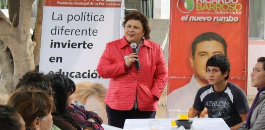 Dialogó Esthela Ponce con microempresarias