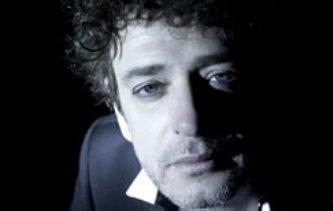 La tragedia del músico comenzó el pasado 16 de mayo, cuando, al término de un recital en Caracas, se sintió mal y fue internado en grave estado en una clínica, en la que permaneció hasta que fue trasladado a Buenos Aires el 7 de junio.
