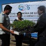 """La UABCS inició el """"Concurso de producción y comercialización de tomate saladette, variedad Rio Grande"""". Participan estudiantes de la carrera de Ingeniero Agrónomo y de la Licenciatura en Administración de Agronegocios."""