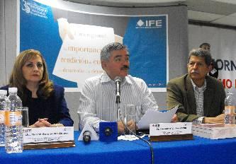 Realizan Foro regional sobre rendición de cuentas y democracia en la UABCS