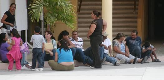 Reciben vecinos de Calafia de manera gratuita su Carta de No Propiedad