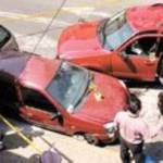 Tras perpetrar el robo, los sujetos emprendieron su huida, por lo que el agraviado subió a su automóvil, los persiguió y al darles alcance los arrolló en calles ubicadas entre la avenida Parque Lira y Periférico, cerca de la zona de Tacubaya, en la delegación Miguel Hidalgo.