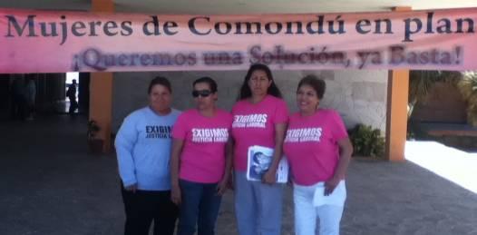 Continuan las trabajadoras comundeñas su plantón en palacio de Gobierno