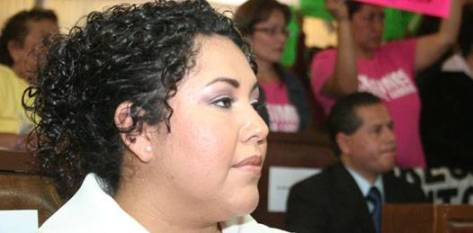 """Dora Elda Oropeza Villalejo dijo que """"como legisladores"""", buscan reivindicar la imagen que se tiene de ellos, cree que en el estado los diputados han perdido """"credibilidad, valor y respeto""""."""