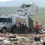 El director de Servicios Públicos del Ayuntamiento de La Paz, Estuardo González recomendó a las familias que no saquen la basura esos días para evitar suciedad en sus colonias que a su vez representan focos de infección.