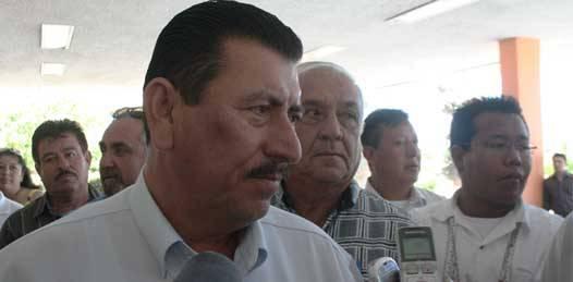 Irregular otorgamiento de concesiones denuncian transportistas en Palacio de gobierno