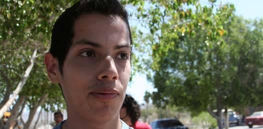Reconocen  estudiantes desconocer los conflictos por los que atraviesa su Universidad
