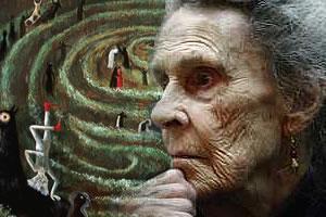 Carrington fue escritora, escultora y pintora. Huyendo de un hospital psiquiátrico de Santander, luego de que el escritor Max Ernst, su pareja, fuera arrestado por los nazis en París y ella cayera en una depresión devastadora, Leonora llegó a la Ciudad de México, gracias al periodista mexicano Renato Leduc.