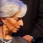Lagarde tenía como contrincante a Agustín Carstens, gobernador del Banco de México (central), cuya candidatura no alcanzó a suscitar entusiasmo, incluso entre los países en desarrollo.