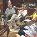 En la reunión, la presidente de la asociación Rosa Luz Treviño Durán le explicó también lo relativo a la propuesta para la primera fase, así como la revisión del reglamento de la zona delimitada que contempla diversos aspectos de imagen en toda el área.