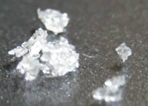 Traía cristal y báscula gramera