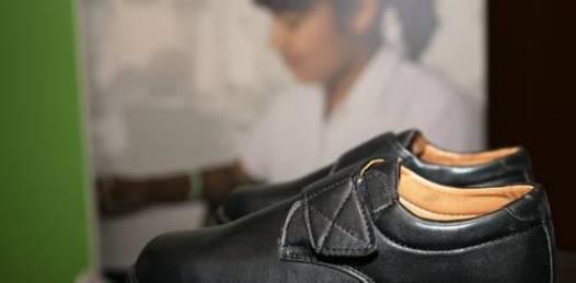 Si habrá zapatos y tenis para secundarianos, garantiza la alcaldesa