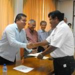 El M. en C. Gustavo Rodolfo Cruz Chávez, Rector de la UABCS, entregó reconocimientos de grado a profesores-investigadores, otorgados por el PROMEP.