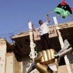 """Gadafi amenazaba con resistir hasta la """"victoria o la muerte""""."""