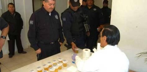 Pese al 90% del avance anunciado en la construcción de este nuevo Centro de Control y Confianza en el SNSP sigue considerando a Baja California Sur uno de los estados más rezagados en la República en alineamiento al programa de la policía acreditable (Corte agosto 2011).