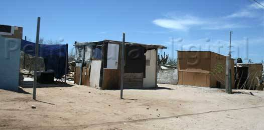 Garantizan respeto a los derechos individuales de habitantes de terrenos invadidos