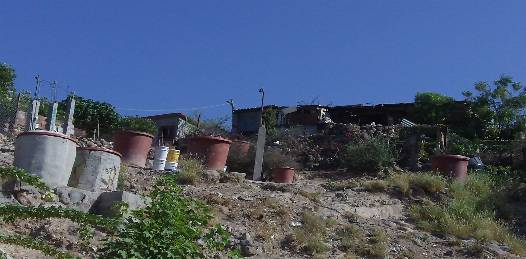 Sobreviven con una sola toma de agua, 28 familias en la Ampliación Navarro Rubio