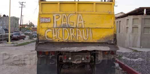 O no les dan chamba o no se las pagan: truenan transportistas contra Chedraui