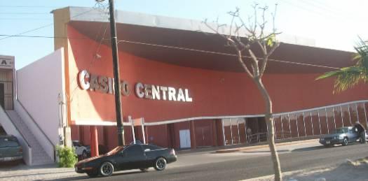 Pasan la revisión de seguridad Cinépolis y el Caliente, faltan Casino Central y Fortune