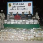 En el operativo enmarcado en la Estrategia Integral del Estado Mexicano en contra del Narcotráfico y la Delincuencia Organizada, se aseguraron además tres vehículos, luego de que el personal militar jurisdiccionado a la tercera zona realizara reconocimientos terrestres en el poblado de El Sargento, municipio de La Paz.
