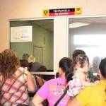Debido a la deuda heredada, el ayuntamiento de La Paz atraviesa un gran problema financiero. Una deuda de alrededor de 650 millones de pesos, pagos de nómina por el orden de los 12 millones, entre empleados de base y de confianza, y bonos escolares que ascienden a 8 millones, los ponen contra la pared, por lo que algunas veces los salarios se atrasan, sobre todo para los empleados de confianza, no obstante, estos comprenden la situación, asegura Francisco Martínez Mora, secretario general del ayuntamiento.