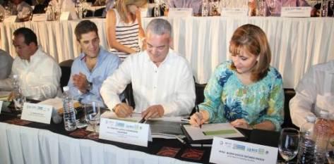 Gloria Guevara Manzo, se comprometió vigilar la correcta ejecución de las acciones contenidas en el Acuerdo por el Turismo, y por su parte, el Gobierno Federal, durante este año, dará a conocer de manera mensual los programas específicos a favor del sector.