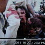 Imagen tomada de un teléfono móvil que muestra presuntamente la detención del ex hombre fuerte de Libia Muamar Gadafi, este jueves en Sirte, en medio de las contradictorias informaciones sobre la suerte del coronel.
