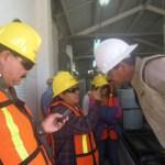 Los alumnos de COBACH 06, fueron acompañados por el coordinador del PEE y titular del Taller de Periodismo, profesor Felipe Zúñiga Meza, estuvieron en la planta desalinizadora y la planta de tratamiento de aguas residuales, donde pudieron constatar los esfuerzos que en materia ecológica hace MMB, al producir agua potable por medio de tecnología de punta en materia de desalinización, así como la producción de agua para diferentes servicios a partir de las aguas residuales que se producen en ese complejo industrial.